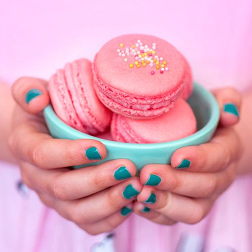 ...Double raspberry macarons | supergolden bakes