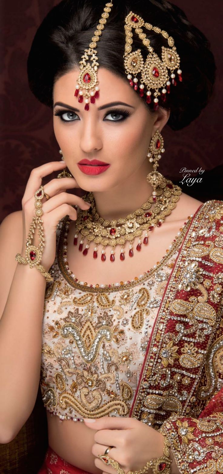 LAYA; beautiful 3 pronged gold jhoomar to match her lehenga. #IndianWedding, #SouthAsianWedding, #ShaadiShop