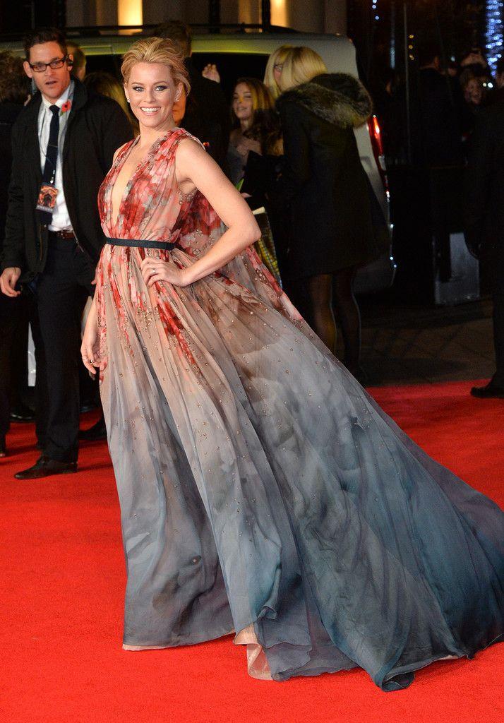 Элизабет Бэнкс на мировой премьере (Голодные игры Сойка-пересмешница. Часть 1), Лондон 2014