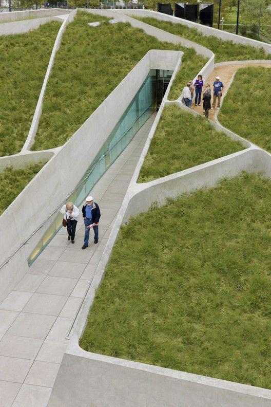 Galeria de Museu do Holocausto em Los Angeles / Belzberg Architects - 19