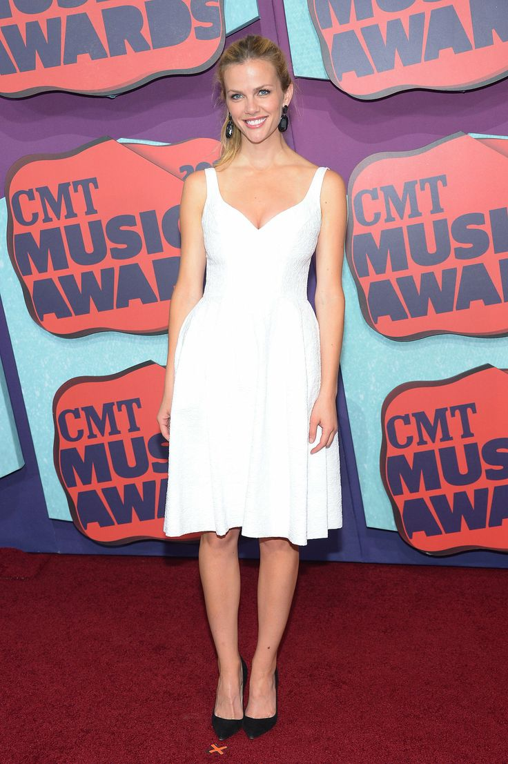 Brooklyn Decker at the 2014 CMT Awards