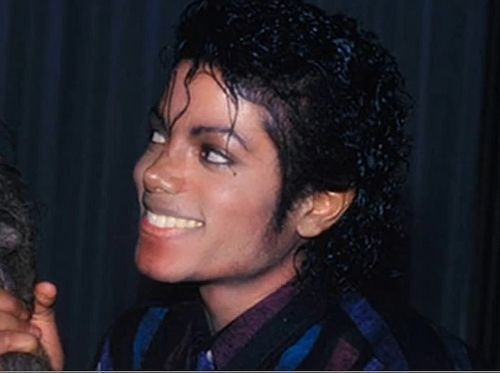 SEXY FIT HANDSOME BUFF STUNNING ALL THOSE WORDS AND MMOOORREEEEE - michael-jackson Photo