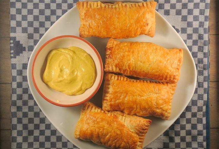 Zelfgemaakte saucijzenbroodjes - Lekker en Simpel