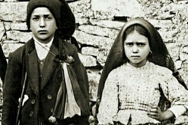 Pope Francis will hold an ordinary public consistory on April 20, where the cardinals of the Church are expected to pave the way for the canonization of the Fatima visionaries.