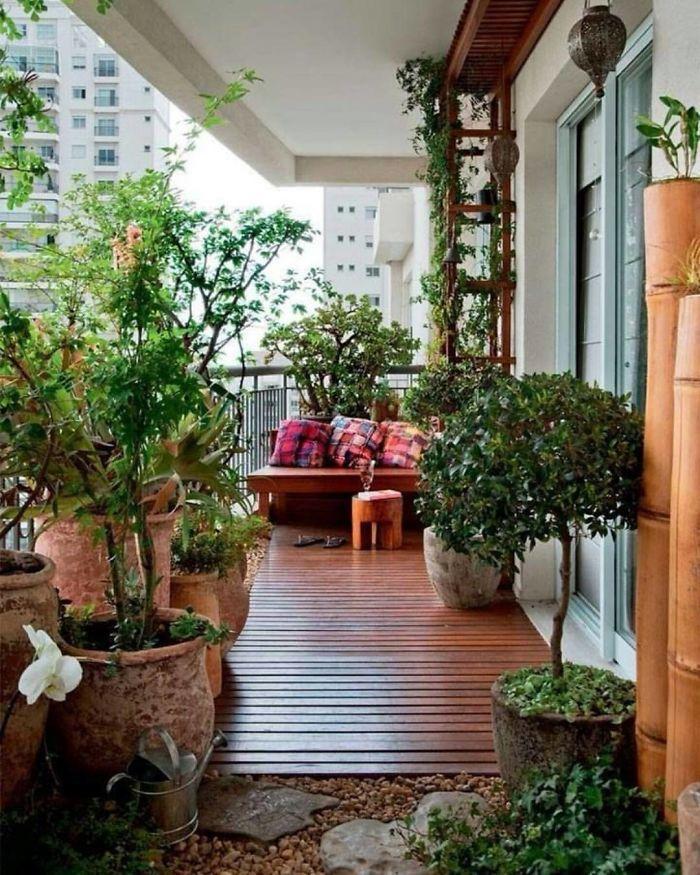 Cozy-Balcony-Decorating-Ideas-14