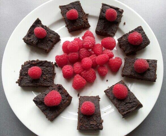 Sundt sødt. Blackbean Brownies. Lidt klæg, men lækker. http://stinna.dk/bonne-brownie/
