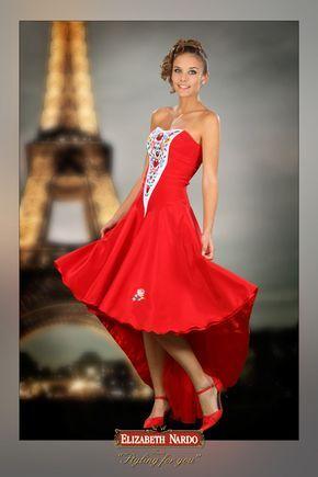 13-170 piros elől rövid hátul hosszú kalocsai hímzett,menyecske ruha