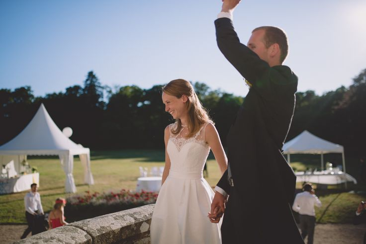 Un mariage en Bretagne au Chateau Kergurione - A découvrir sur le site www.natachamaraud.com - Photos : Natacha Maraud Photographe _ Robe : Jesus Peiro