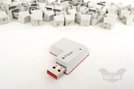 BAT™ 16 GB USB flash drive - Memory Stick - Keyboard Enter key red bottom - Upcycled computer keyboard - enter key - Usb with activity Led - Product Dimensions 5.4cm Height x 3.7cm Width x 1cm Thickness - by Think4HandmadeArt, €35.00