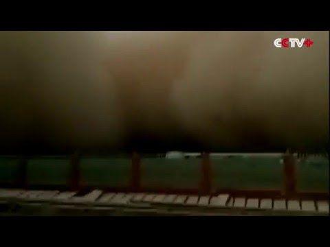 Spectaculaire zandstorm: West-China getroffen door 100 meter hoge muren van zand - NineForNews.nl