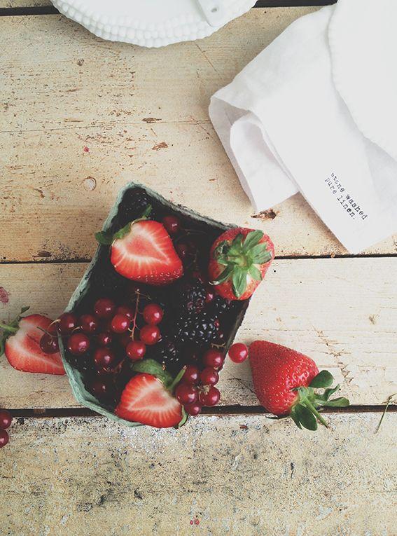Sommarbär - jordgubbar, vinbär & björnbär.