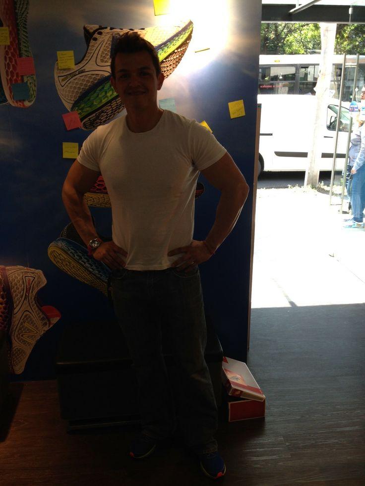 Jorge Díaz, instructor de Sports World y entrenador de atletas decidió llevarse los Fresh Foam!