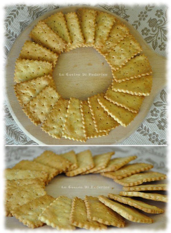Crackers con groviera e semi disesamo