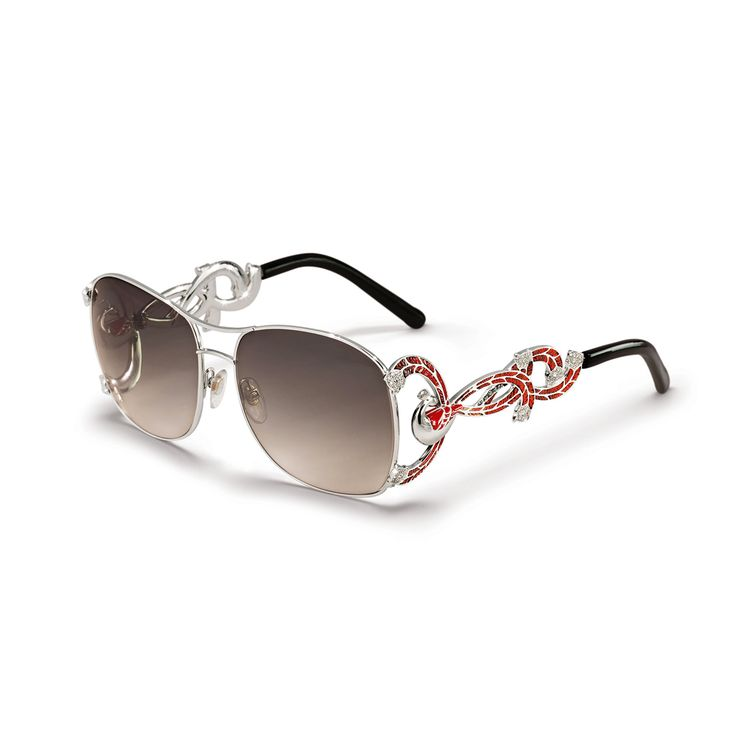 Sunglasses can play an important role in your attire, especialy if they are from SICIS sunglasses collection, true statement pieces!