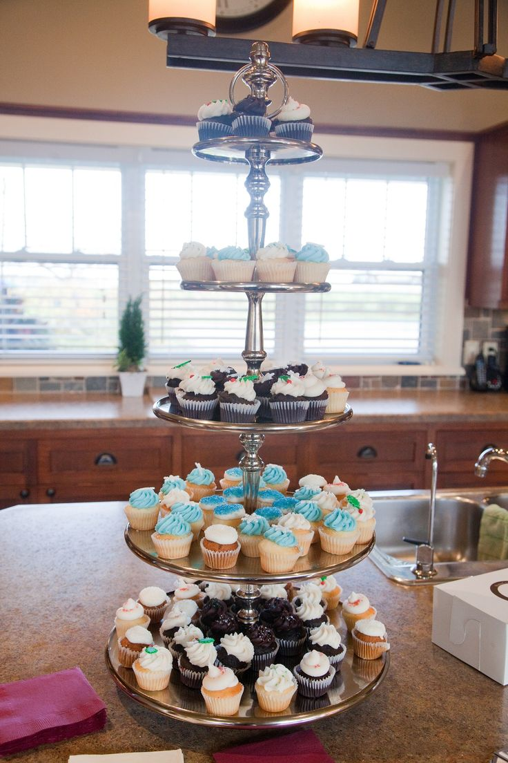 Homes of Distinction – Christmas Home Tour » Past Galleries - The 4th Annual Homes of Distinction Home Tour in support of Niagara Life Centre