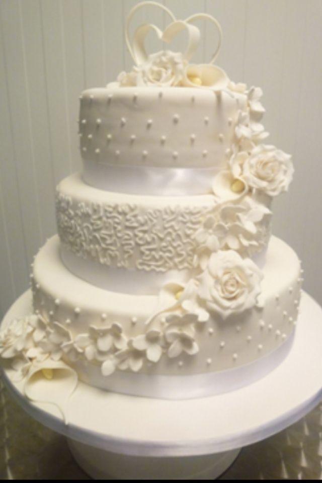 Bruidstaart! Hartjes bovenop