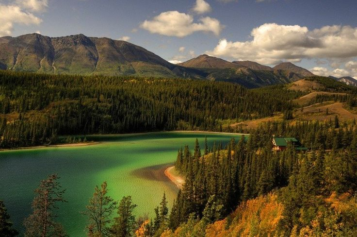 Озеро Эмеральд, провинция Альберта, Канада