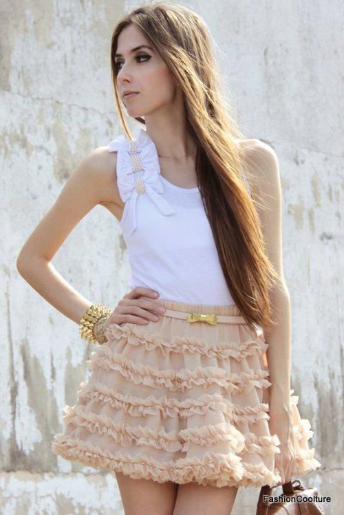 love the fluffy skirt!