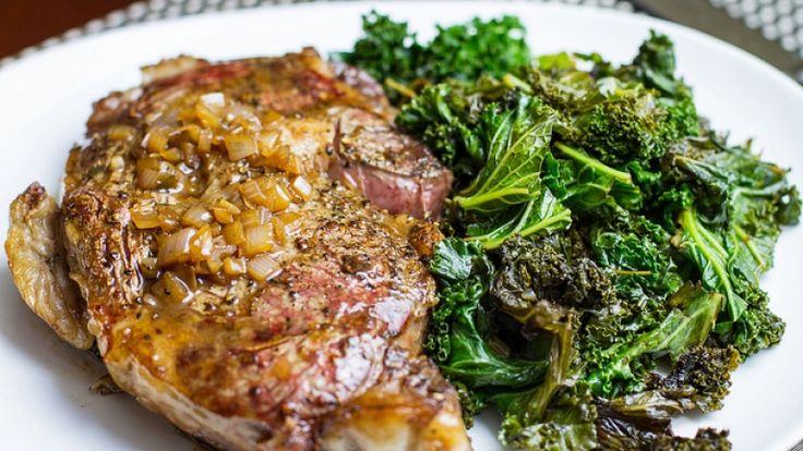 Come cuocere la bistecca perfetta: guida alla cottura della carne, in padella! http://winedharma.com/it/dharmag/maggio-2014/come-cuocere-la-bistecca-perfetta