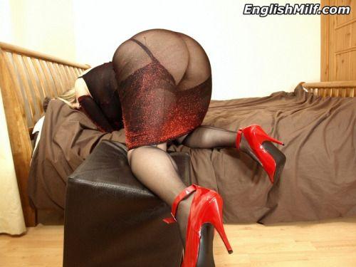 Bridget the midget stripping