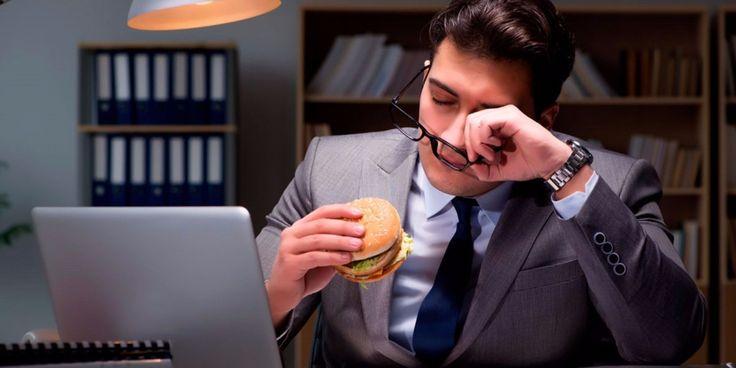 """Podrás escapar de hacienda, de la policía, de tu jefe, pero jamás del mal del puerco o marea alcalina (post-lunch dip, en inglés). Es el sueño y aletargamiento después de """"la hora de comida"""" y todo…"""