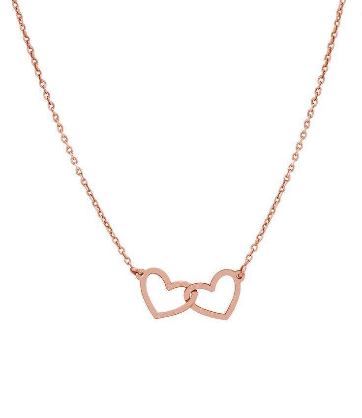 Een chique ketting voor bij elke gelegenheid. De ketting heeft een verfijnd model en is afgewerkt met twee harten die in elkaar haken in het midden. (€39,95)