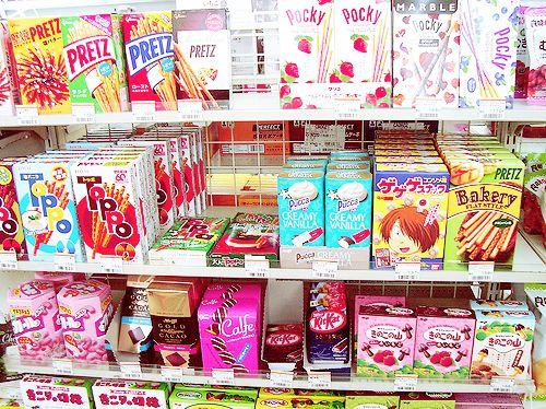 I love Japanese snacks and candy. ^-^