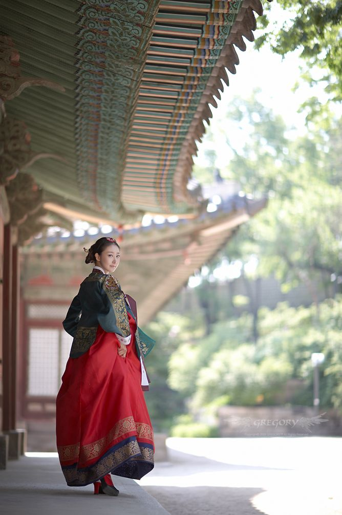한복 Traditional Hanbok. S. Korea