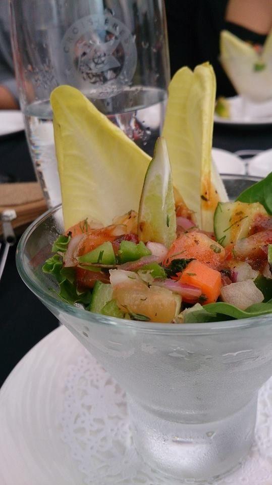 Un «martini» de mesclun pour la suite. #aml #undimancheaparis