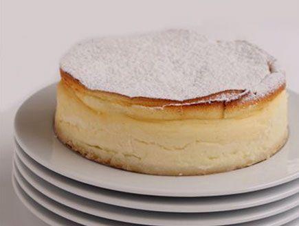 עוגת גבינה אפויה קלאסית. מתכון לעוגה. עוגת גבינה של לחם ארז. מתכונים לשבועות.