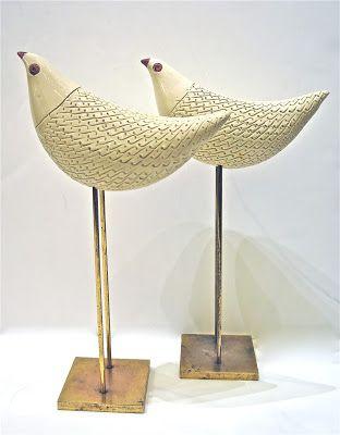 Designed in the 50s by Aldo Londi for Bitossi.