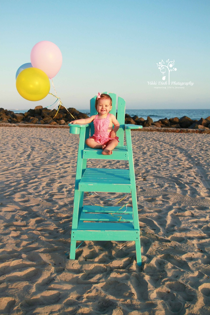 San Diego - children's photographer, love this model and life guard chair