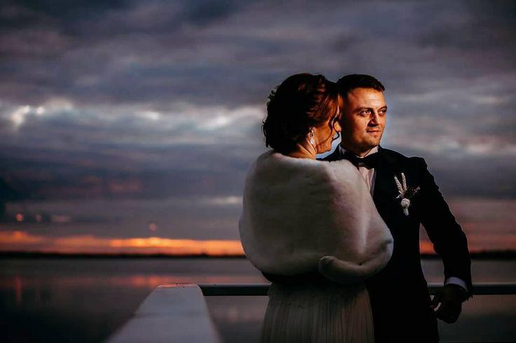 Every love is different just like every sunset  #teoriazambetului #ilovemyjob #weddingday #emotions #sunset #lake #foreverafter #light #embrace