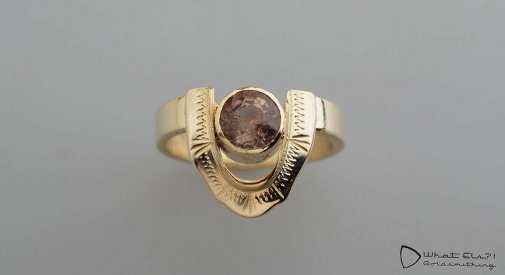 oude ring van oma vermaakt