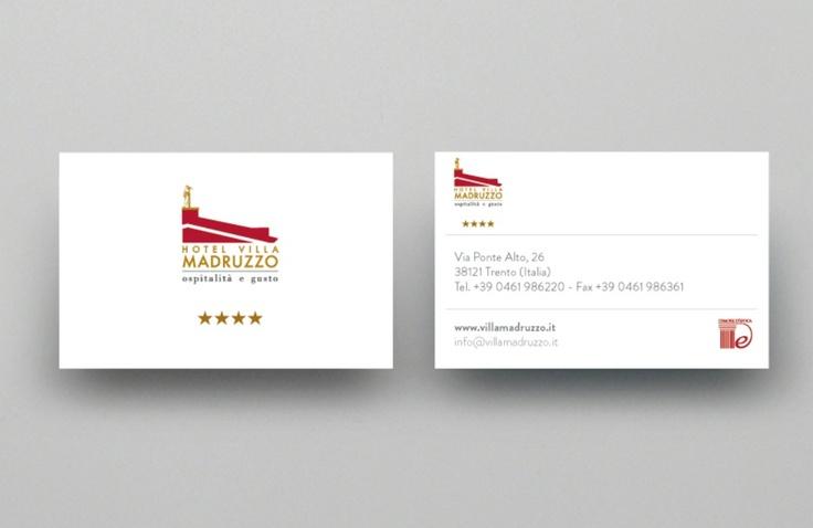 Visual Design - La Corporate identity composta di biglietti da visita, carta intestata e busta da lettera e folder è stata realizzata con una grafica lineare ed elegante - www.villamadruzzo.it