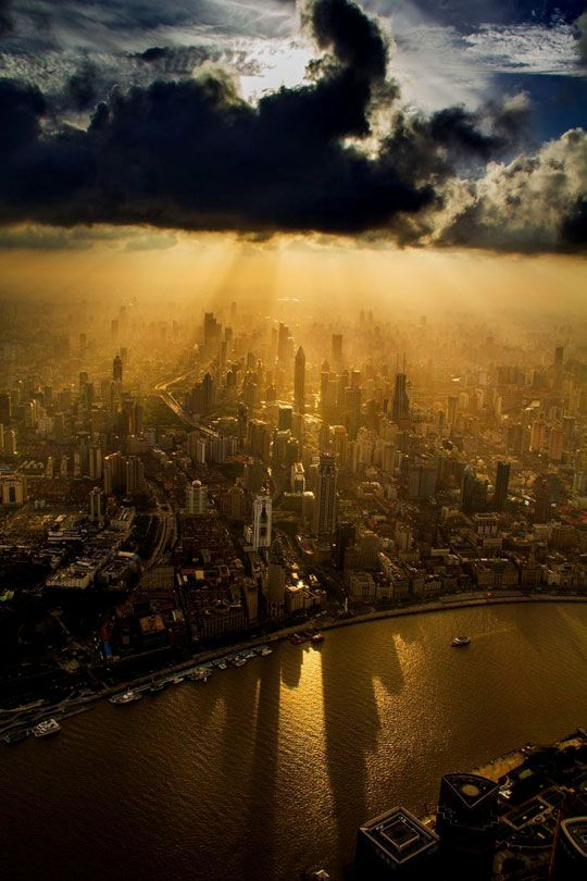 THE REST OF THE WORLD LIVES LIKE THIS! A View Of The City Of Shanghai #wanderlust #travel #breathtaking