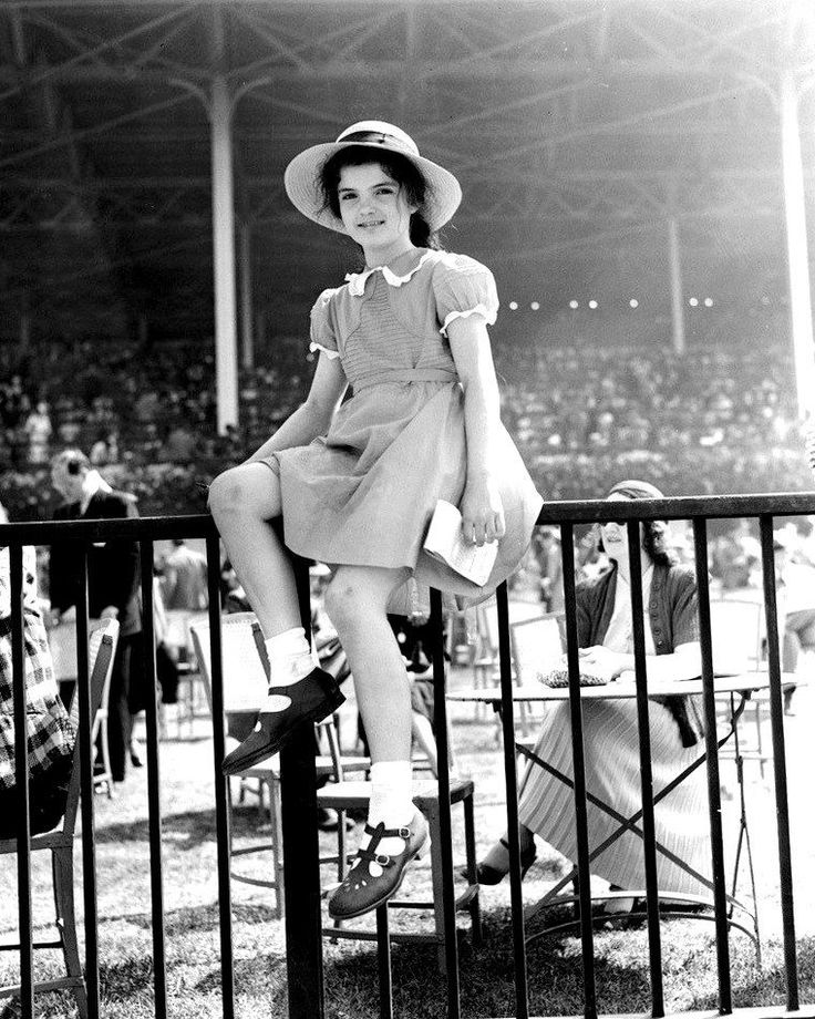 JACQUELINE JACKIE BOUVIER (KENNEDY) AT BELMONT PARK IN 1939 8X10 PHOTO (FB-168) | Collectibles, Historical Memorabilia, Political | eBay!