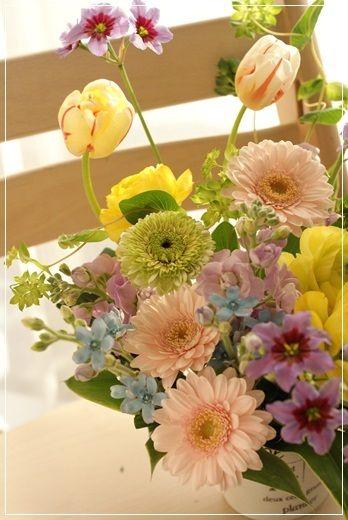 【今日の贈花】ご出産の祝花は春色で! http://ameblo.jp/flower-note/entry-11775630090.html