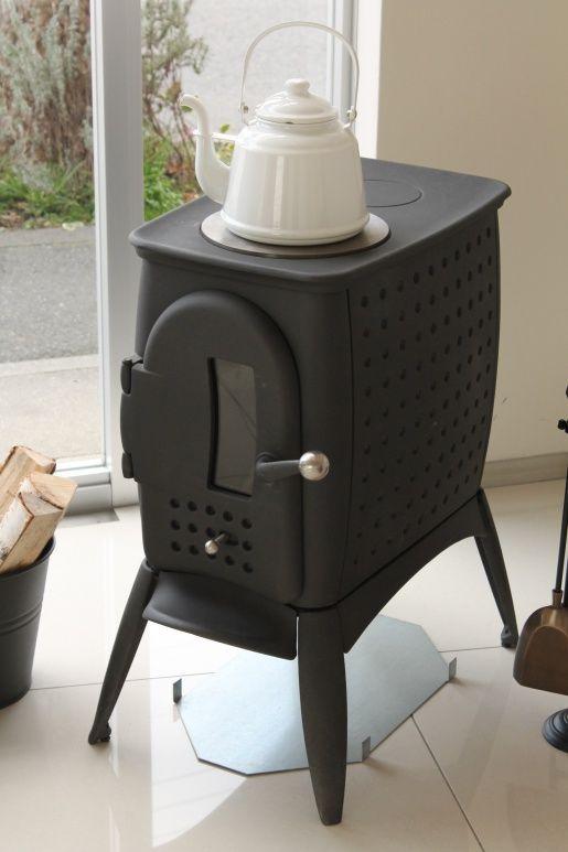 コンパクトでかわいいデザインの薪ストーブ、アウストロフラムG1です。   #austroflamm #G1 #woodstove