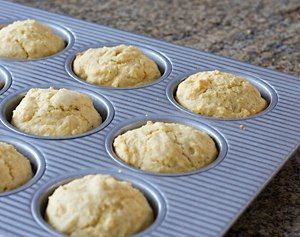 "Here's a Recipe to Make Southern Cornbread Muffins with Buttermilk: Cornbread Muffins ----- <b><a href=""http://southernfood.about.com/od/foodpictures/ss/Recipe-For-Cornmeal-Muffins.htm"">Large Photo of Cornbread Muffins</a></b>"