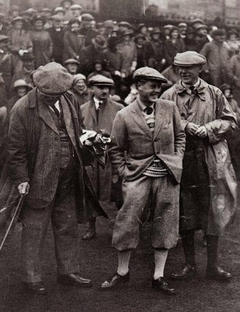 1920s golfers. 1925 Prince of Wales in golf attire : plus fours, tall socks, flat cap