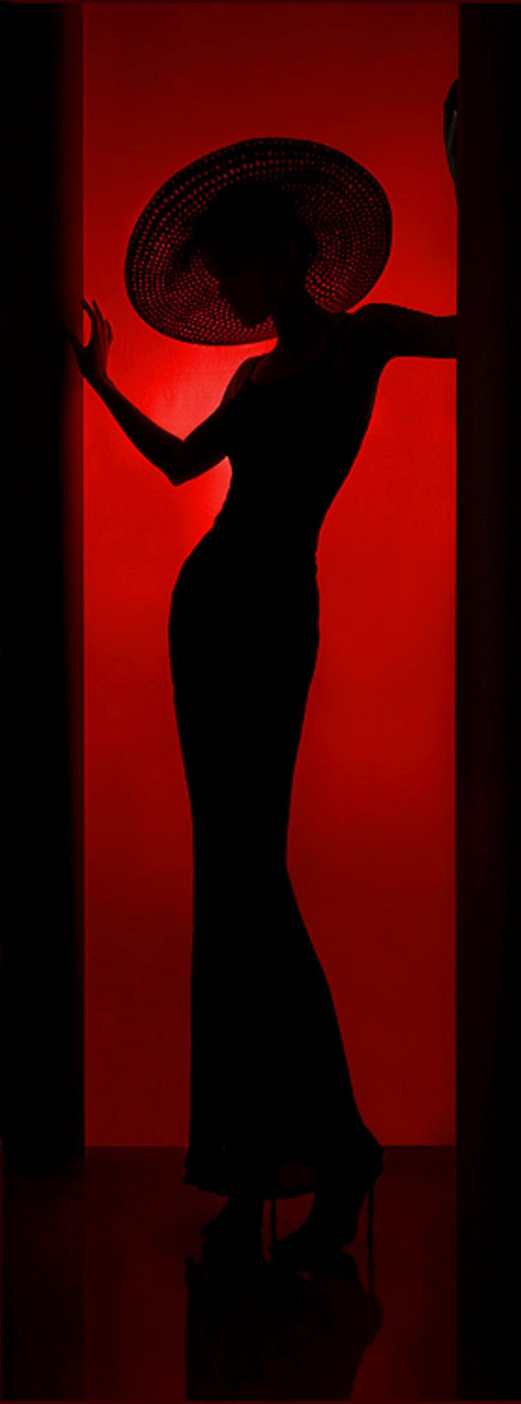 Deco silhouette - Photo by Ilya Rashap - https://500px.com/rashap
