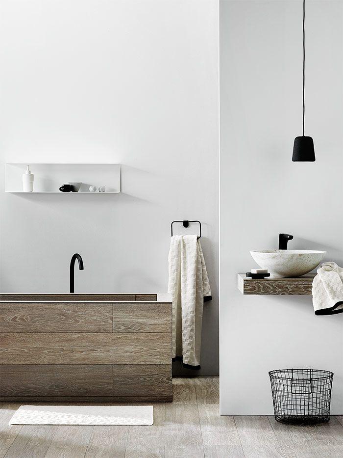 Check Bath Towel Set - cream with black trim. By Aura.