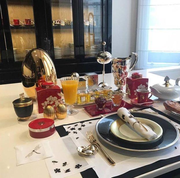 Joanna Przetakiewicz pokazuje nogi i luksusowe śniadanie (FOTO) - PUDELEK