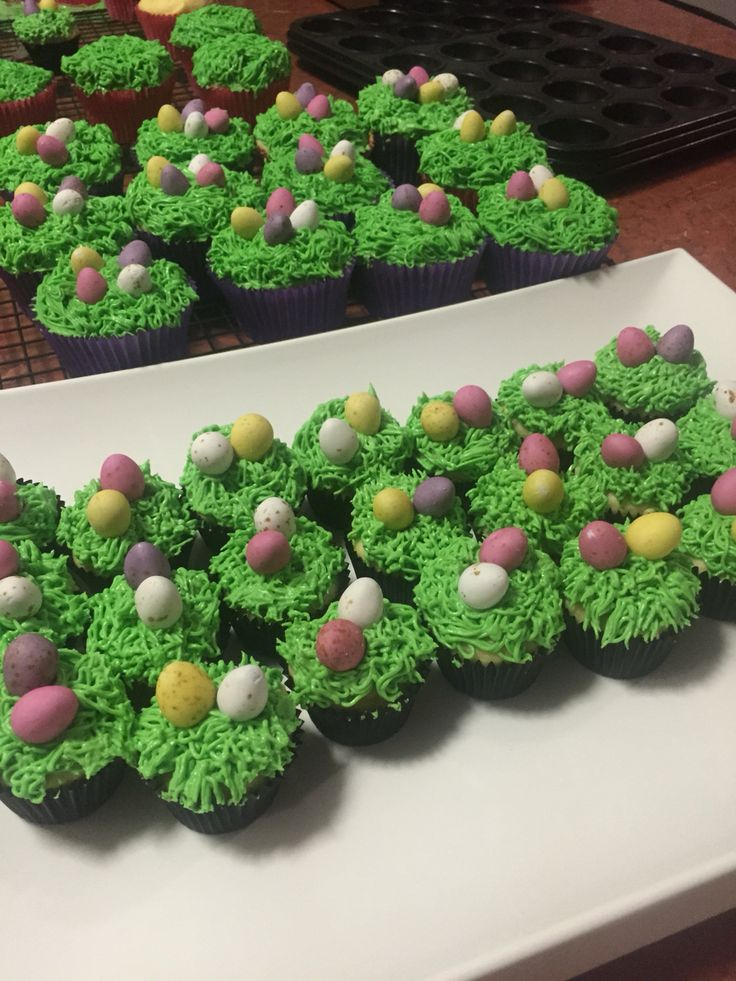 over ear buds Easter cupcakes
