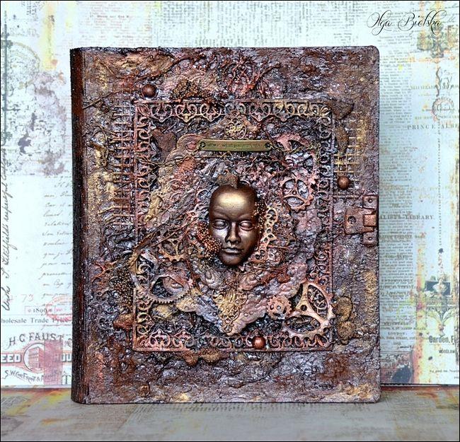 Old book mixed-media. Mój kolejny projekt mixed-mediowy powstał dla DT Scrapek Scrapbooking! Zmediowałam pudełko KSIĘGĘ od Anemone: http://www.scrapek.pl/pl/p/Pudelko-prostokatne-KSIEGA-Podstawowe/13727 Zajrzyjcie koniecznie na bloga po więcej szczegółów: http://scrapek.blogspot.com/2017/03/pordzewiaa-ksiega.html http://exploding-box.blogspot.com/2017/03/ksiega-jak-z-basni.html