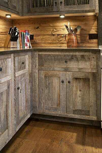 I love this idea of taking pallet wood and turning it into a back splash.