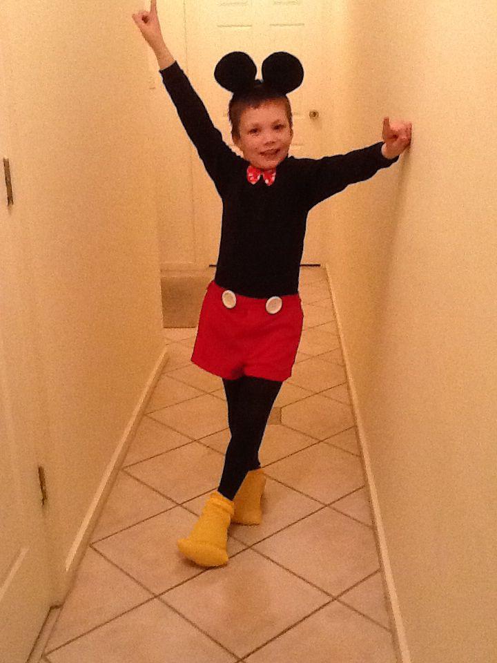 Mickey Mouse..  Taaaa daaaaaa