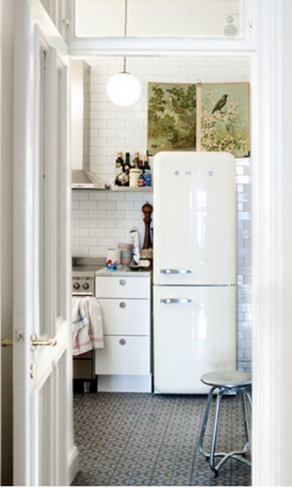 white and art.: Tiny Kitchen, Floor, Interiors, Smeg Fridge, Kitchen Design, Small Kitchen, House, Subway Tiles, White Kitchens