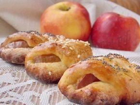 Конвертики с яблоками из творожного теста